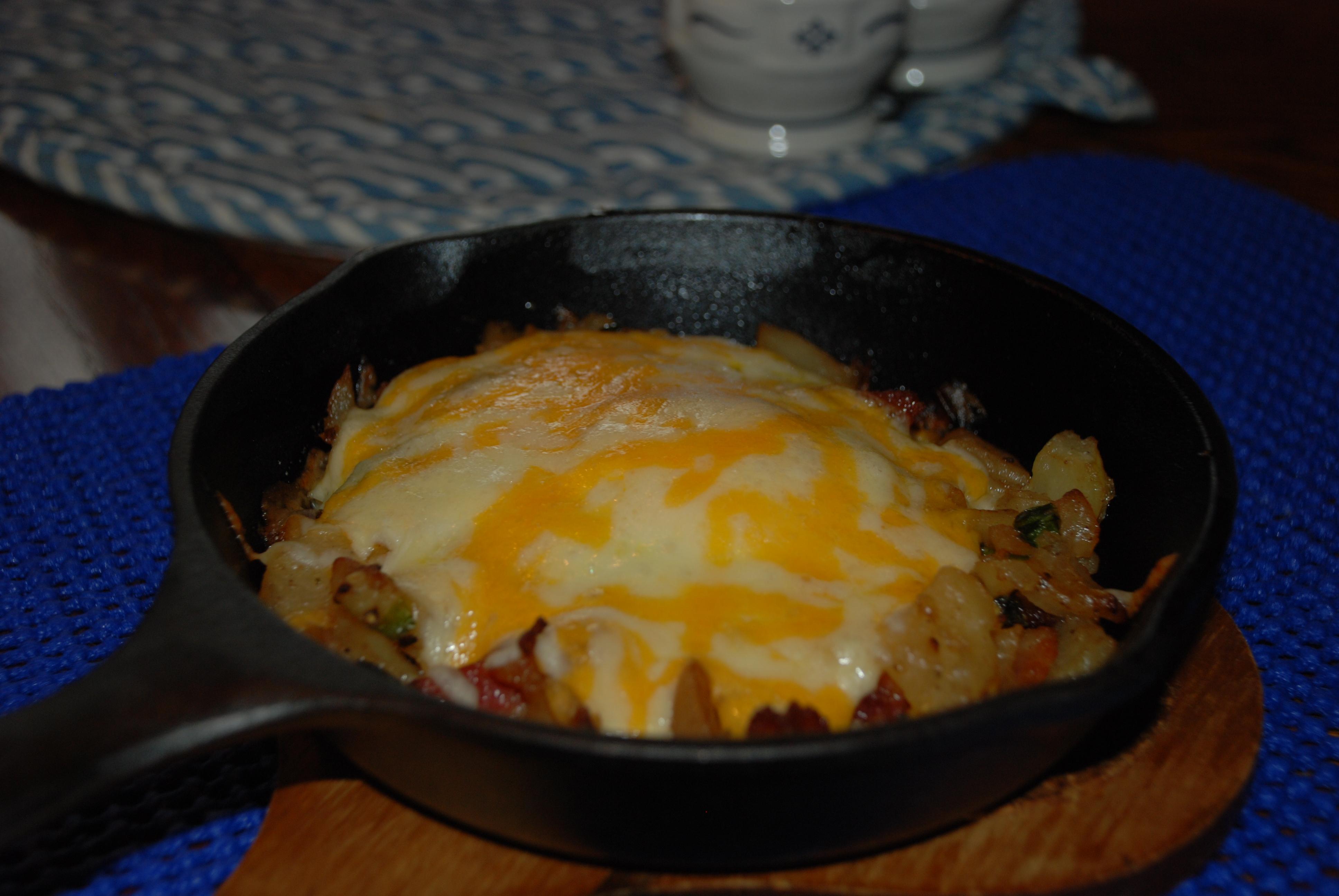 Skillet Breakfast Casserole | recipesfrommykitchen